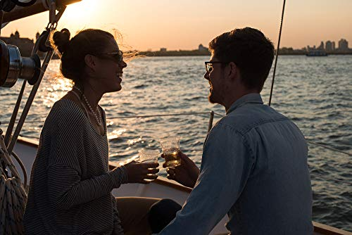 (Sailing with Champagne in New York for Two - Tinggly Voucher/Gift Card in a Gift Box)