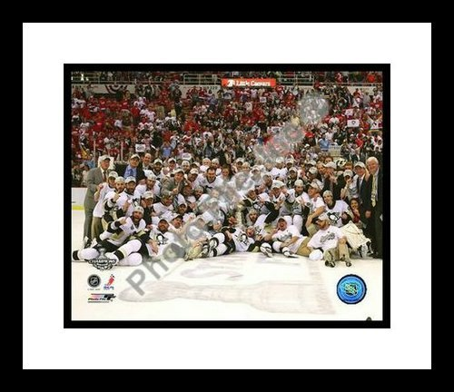2009 Pittsburgh Penguins Stanley Cup Champions NHL Framed 8x10 Photograph Team Celebration with Cup