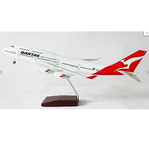 Qantas 100th Anniversary Large Plane Model Boeing 787-9 1:150 41cm Centenary