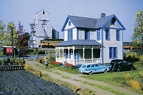 Walthers Cornerstone Aunt Lucy's House Train