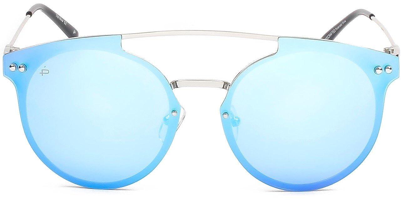 "a187ce2836e Amazon.com  PRIVÉ REVAUX ICON Collection ""The Nova"" Designer Polarized  Cat-Eye Sunglasses  Clothing"