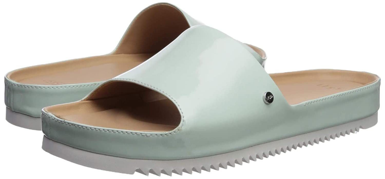 65ab3d3199e Amazon.com  UGG Women s Jane Patent Flat Sandal  Shoes