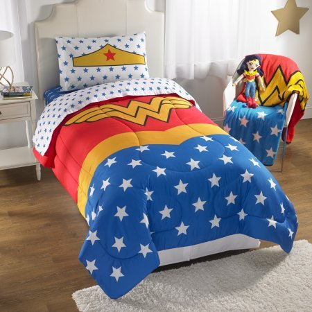 Wonder Woman Reversible Comforter