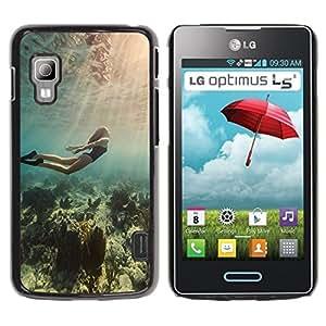 Be Good Phone Accessory // Dura Cáscara cubierta Protectora Caso Carcasa Funda de Protección para LG Optimus L5 II Dual E455 E460 // Diving Ocean Woman Beautiful Light Sea