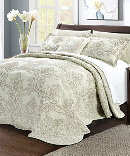 Serenta Damask 4 Piece Bedspread Set, Queen, Light Green