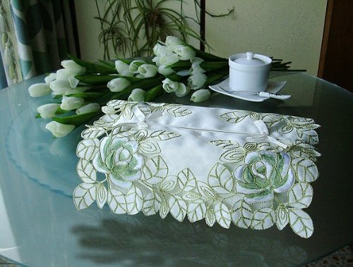 Fashion Green Embroidered Flowers Tissue Box Cover