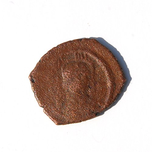 (TR Byzantine Maurice Tiberius. 582-602 AD. Half Follis. Thessalonica Mint. Struck in 583 to 584 AD. Coin Good Detials)