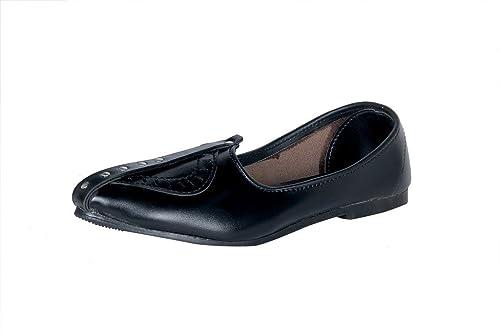Panahi Black Ethnic Footwear Mojaris