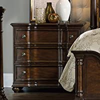 Hooker Leesburg Bachelors Chest in Mahogany