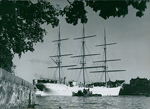 Vintage photo of Old fully rigged ship af Chapman has been saved from the scrap merchants to the water and to the (Fully Rigged Ship)