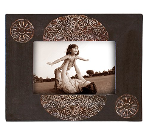 Picture Frames 4 x 6 – SouvNear Wood Photo Frame 4×6 – Vintage Look Black – Handmade Decorative Wooden Picture Frame with Unique Tin stand
