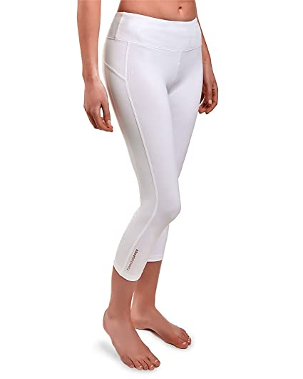 61cd37e842043 Amazon.com : Tommie Copper Womens Shaping Capri : Sports & Outdoors