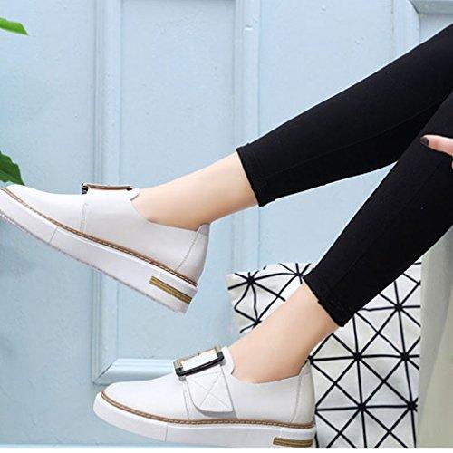 Hoxekle Vrouwen Metalen Gesp Lage Top Ronde Neus Koreaanse Versie Rubberen Zool Lage Hakken Slip Loafer Schoenen Wit