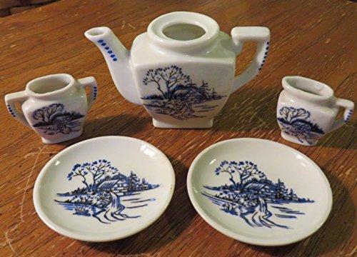 (Vintage Dollhouse Miniatures Tea Set Pieces Teapot 2 Plates Creamer Sugar Bowl)