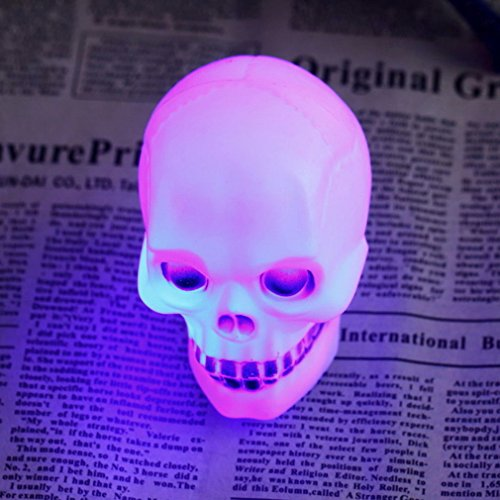 Windspeed Skull LED Night Light Flashing Lamp for Halloween Xstmas Party Favor Decor Gift Kids Toy Review