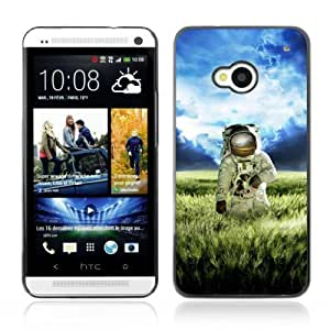 Designer Depo Hard Protection Case for HTC One M7 / Astronaut On The Field