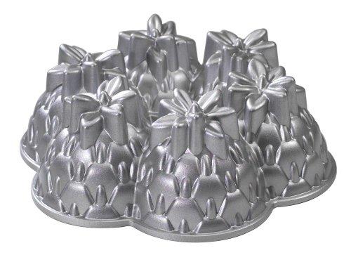 Nordic Ware Platinum Bakeware Aloha Bundt