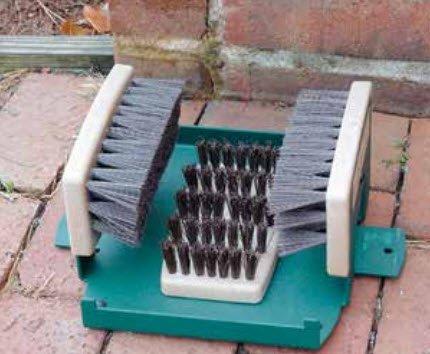 Har-Tru Tennis Court Accessories - Shoe brush Cleaner by Har-Tru