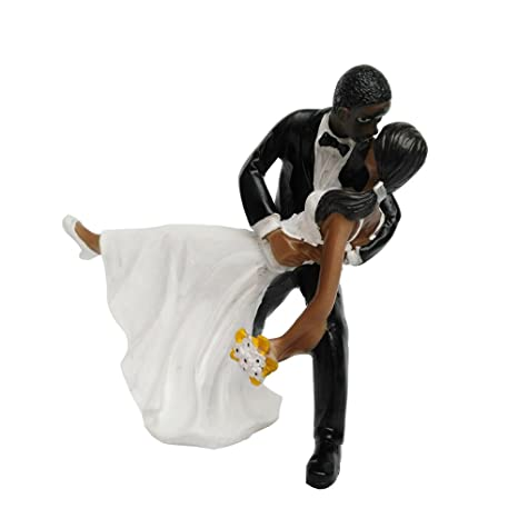Bride and Groom Stares Affectionatly Resin Cake Topper Groom Bride Doll Ornaments Wedding Cake Decoration(Stares Affectionatly): Amazon.com: Grocery ...