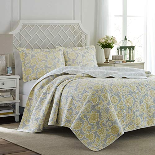 Full / Queen Size Reversible Quilt Set in Elegant Yellow / Gray Floral Patterns - 3 Pieces