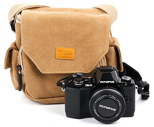 DURAGADGET Tan Brown Medium Sized Canvas Carry Bag - Suitable for Olympus Stylus TG-870 & SH-1 | Pen-F | E-PL8 | Pen E-PL8 | TG-5 | OM-D E-M5 Mark II | (Best Bag For Omd Em5)