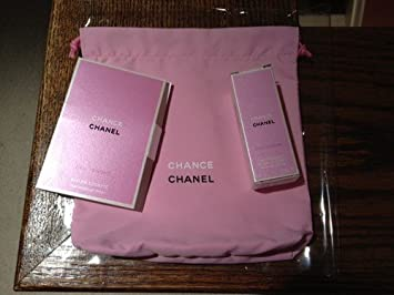fce37f10d5f6 Amazon.com : Chanel Beaute Cosmetics Pouch Bag : Beauty