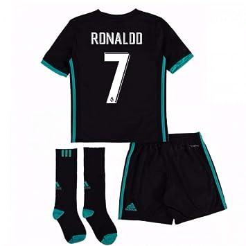 deba7c4e14b UKSoccershop 2017-18 Real Madrid Away Full Kit (Cristiano Ronaldo 7)   Amazon.co.uk  Sports   Outdoors