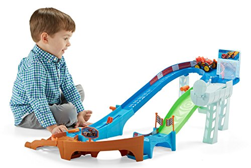 Fisher-Price Nickelodeon Blaze and the Monster Machines  Flip & Race Speedway
