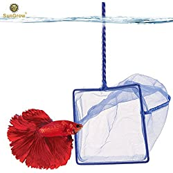 Anti-stress Betta Net --- Routine Tank Maintenance made easy - Nylon net prevent pulling fish scales - Transparent net do not scare fish - Hook on handle tail calls for easy storage - Random Color