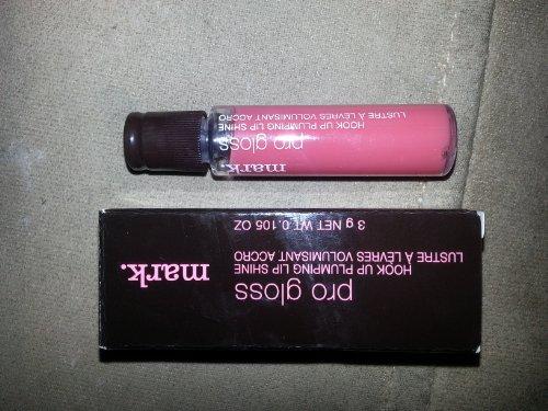 Avon mark. Pro Gloss Hook Up Plumping Lip Shine (Swank)