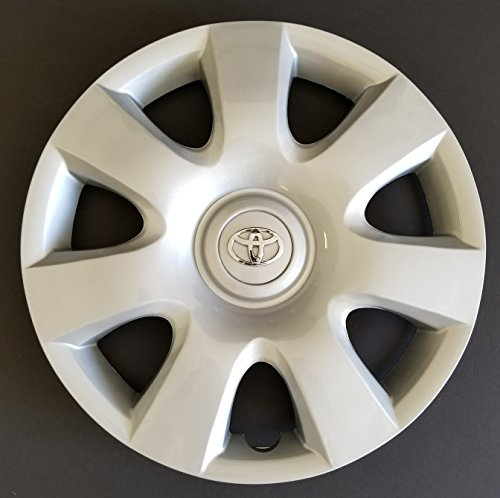 One New Replacement Fits 2002-2004 Toyota Camry Style Wheel Cover; 15 Inch; 7 Spoke; Silver Color; Plastic; Standard Leg (Standard Wheel Cover Emblem)