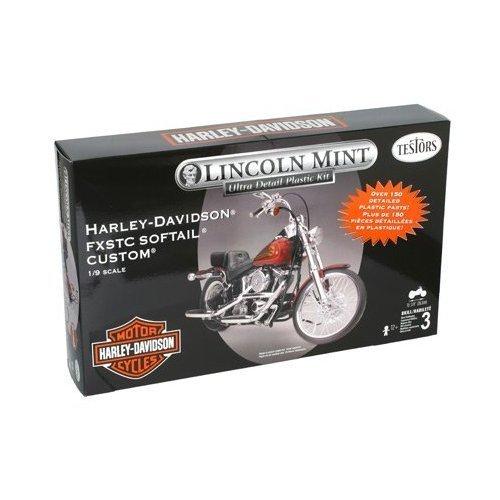 7205 1/9 1995 FXSTC Softail Custom H-D (Harley Davidson Plastic Model Kit)