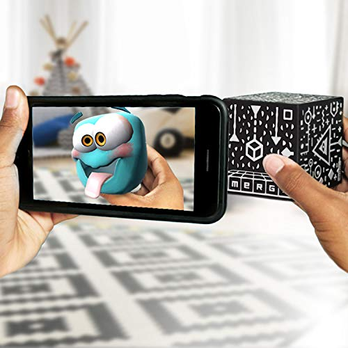 MERGE Cube (Canadian edition) - Fun & Educational Augmented Reality STEM Toy for Kids, Learn Science, Math, and More (Plain Cube)