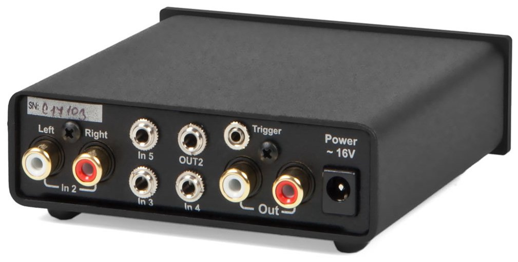 Pro-Ject Audio - Switch Box S - Input expansion for amplifiers/preamplifiers - Silver by Pro-Ject