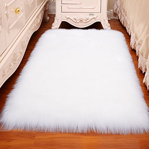 LOCHAS Stylish Fluffy Rug White Faux Fur Sheepskin Area Rugs for Bedroom, Soft Furry Rugs Bedside Living Room Carpet Nursery, 4x6 Feet