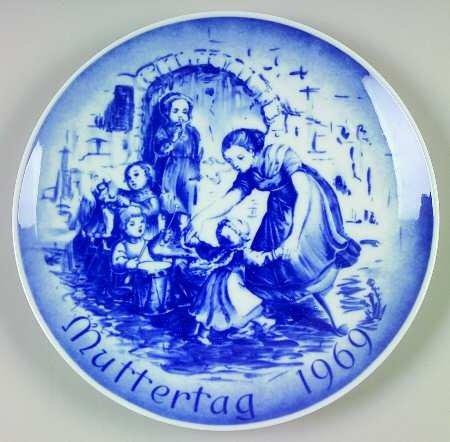 1969 Mother's Day Collector's Plate - Decorative Bareuther Porcelain -
