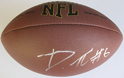 De'anthony Thomas, Kansas City Chiefs, Oregon Ducks, Signed, Autographed, Football, a Coa with the Proof Photo of De'athony Signing Will Be Included with the Football