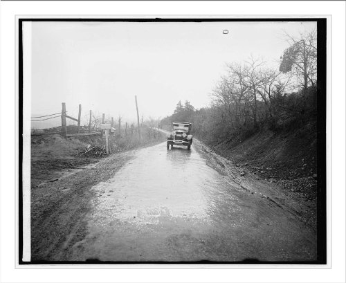 (Historic Print (L): Ford Motor Co. Lincoln in Shenandoah Nat. Park, [Virginia])