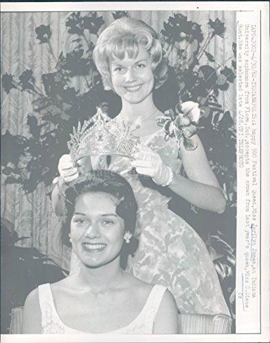 1962 Indianapolis 500 Festival Queen Jerilyn Jones Diane Hunt Crown Wire - Indianapolis 500 Queen