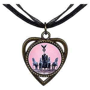 Chicforest Bronze Retro Style Quadriga Brandenburg Gate sunset Heart Shaped Pendant