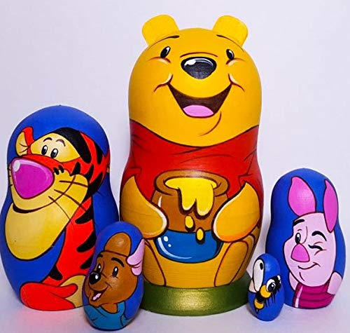 From Siberia with Love Winnie the Pooh russo Nesting Doll set da 5 pezzi. Dipinto a mano in Russia. Hand-painted in Russia.
