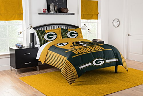 Officially Licensed NFL Green Bay Packers Safety Full/Queen Comforter and 2 Sham ()