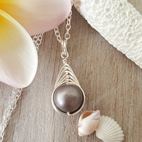 Exclusive from yinahawaii, Wire Braided Sized Round Natural Purple Pearl necklace,