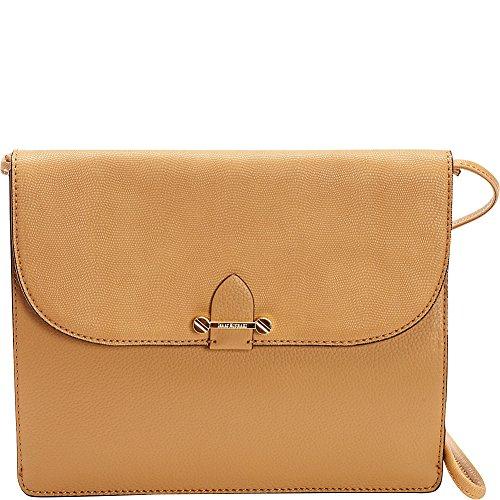 isaac-mizrahi-womens-fashion-designer-handbags-tatiana-leather-clutch-bag-with-crossbody-strap-camel