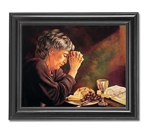 Amazon Com Gratitude Old Lady Praying At Dinner Table