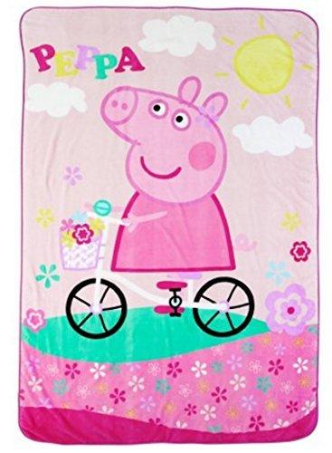 ENTERTAINMENT ONE UK Peppa Pig Blanket, Super Soft Peppa Pig Plush Blanket, 62 x 90, Peppa Pig Bike Ride Theme
