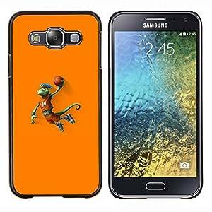 Qstar Arte & diseño plástico duro Fundas Cover Cubre Hard Case Cover para Samsung Galaxy E5 E500 (Baloncesto camaleón Lagarto)