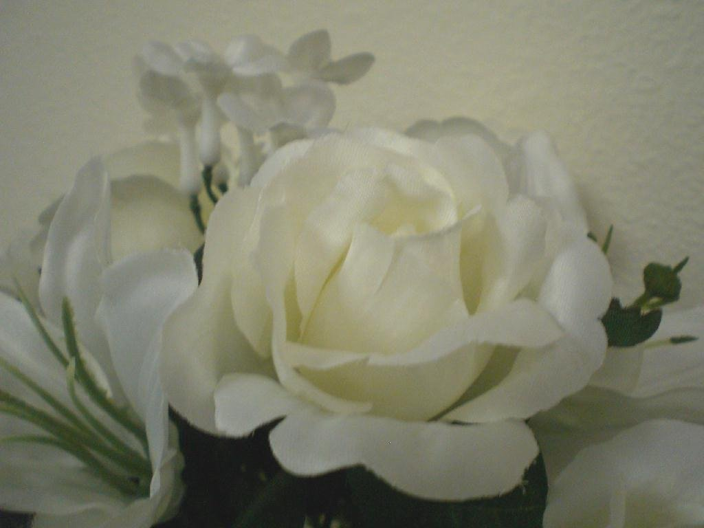 CREAM WHITE Rose Lily Silk Flowers Bridal Bouquet w/14″ Tail Wedding Artificial