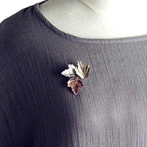 (YUMILY Unisex Handmade 3-Piece Maple Leaf Lapel Pin Banquet)
