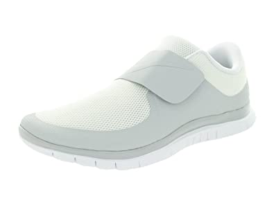 newest collection ff995 5580f Amazon.com   Nike Men s Free Socfly White White White Running Shoe 13 Men  US   Road Running
